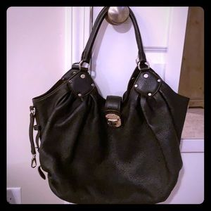 Louis Vuitton Large Hobo Mahina Leather Black